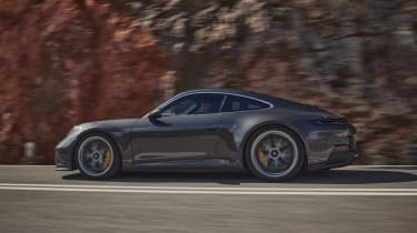Porsche 911 GT3 Touring – side profile