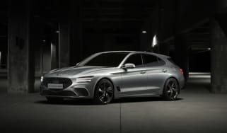 Genesis G70 Shooting Brake - front quarter