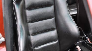 Mercedes-Benz 190E 2.5-16 - Seat