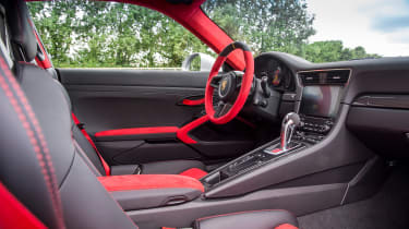 Porsche 911 GT2 RS - 991.2 interior 2