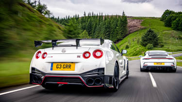 992 GT3 group test – GT-R rear tracking