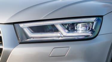 Audi Q5 S Line TFSI - headlight