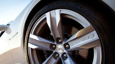 2012 Chevrolet Camaro ZL1 alloy wheel