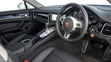 Porsche Panamera Diesel interior dashboard