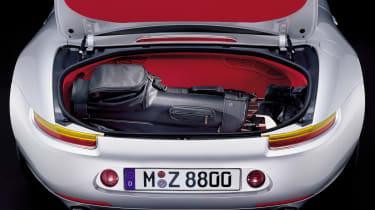 BMW Z8 – boot]