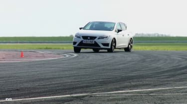SEAT Leon Cupra 280 vs Renault Megane 265 Cup track video