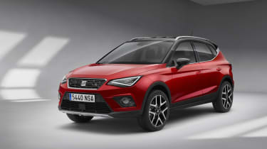SEAT Arona FR front three quarters