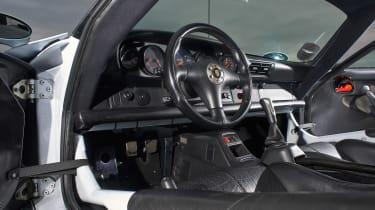 Porsche 911 GT1 - interior