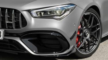 Mercedes-AMG CLA45 S Shooting Brake - lights