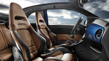 Abarth 500 Cabrio Italia interior