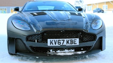 Aston Vanquish winter spy - nose