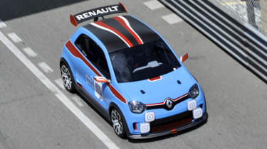 Renault TwinRun blue and red