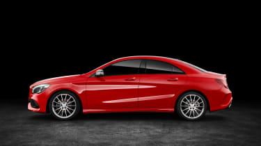 Mercedes-Benz CLA250 4MATIC - side
