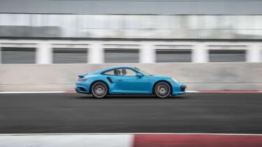 991.2 Porsche 911 Turbo S - side race track