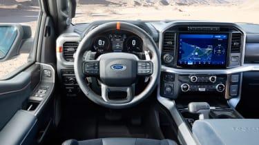 Ford F-150 Raptor -dash
