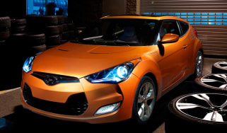 Hyundai Veloster coupe revealed