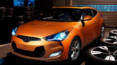 Hyundai Veloster coupe revealed