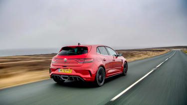 2021 Renault Megane RS300 DCT - rear tracking