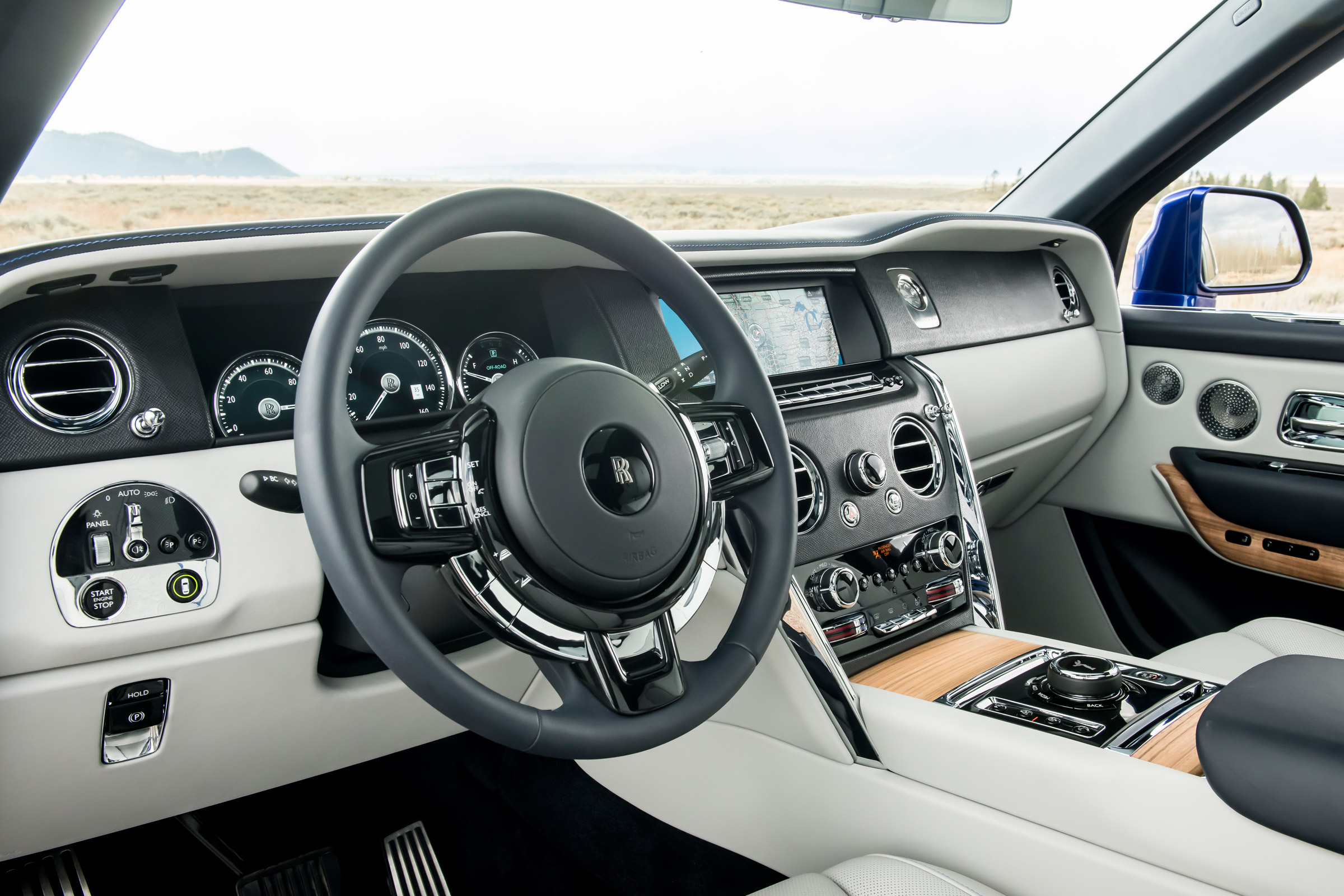 Rolls Royce Cullinan Review 2 6 Tonnes And 250k Of Ultra Opulent Suv Evo