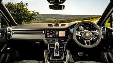 Porsche Cayenne GTS  – interior