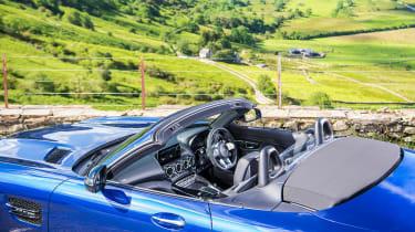 Mercedes-AMG GT Roadster - 2021 cabin