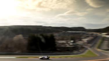 Porsche 919 tribute - on track