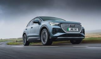 Audi Q4 e-tron 50 – front tracking