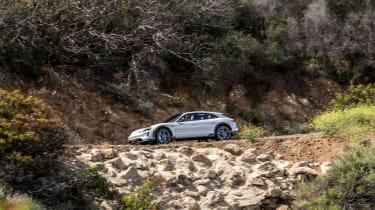 Porsche Mission E Cross Turismo - side