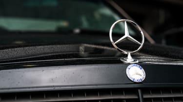 Mercedes-Benz 190E 3.2 AMG - Bonnet star