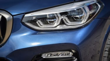 BMW X3 M40i - Headlight