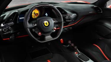 Ferrari 488 Pista – interior