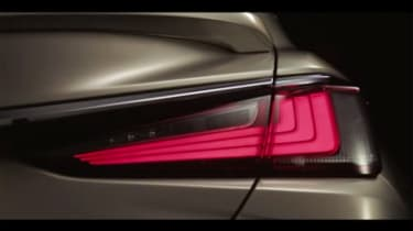 Lexus ES – rear light
