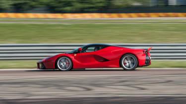 Ferrari LaFerrari side profile