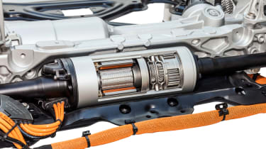 Porsche Cayenne dynamic anti-roll bar, Porsche Dynamic Chassis Control (PDCC), in detail