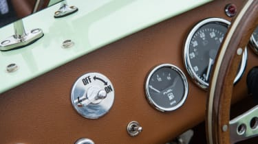 Caterham Seven SuperSprint - Dials