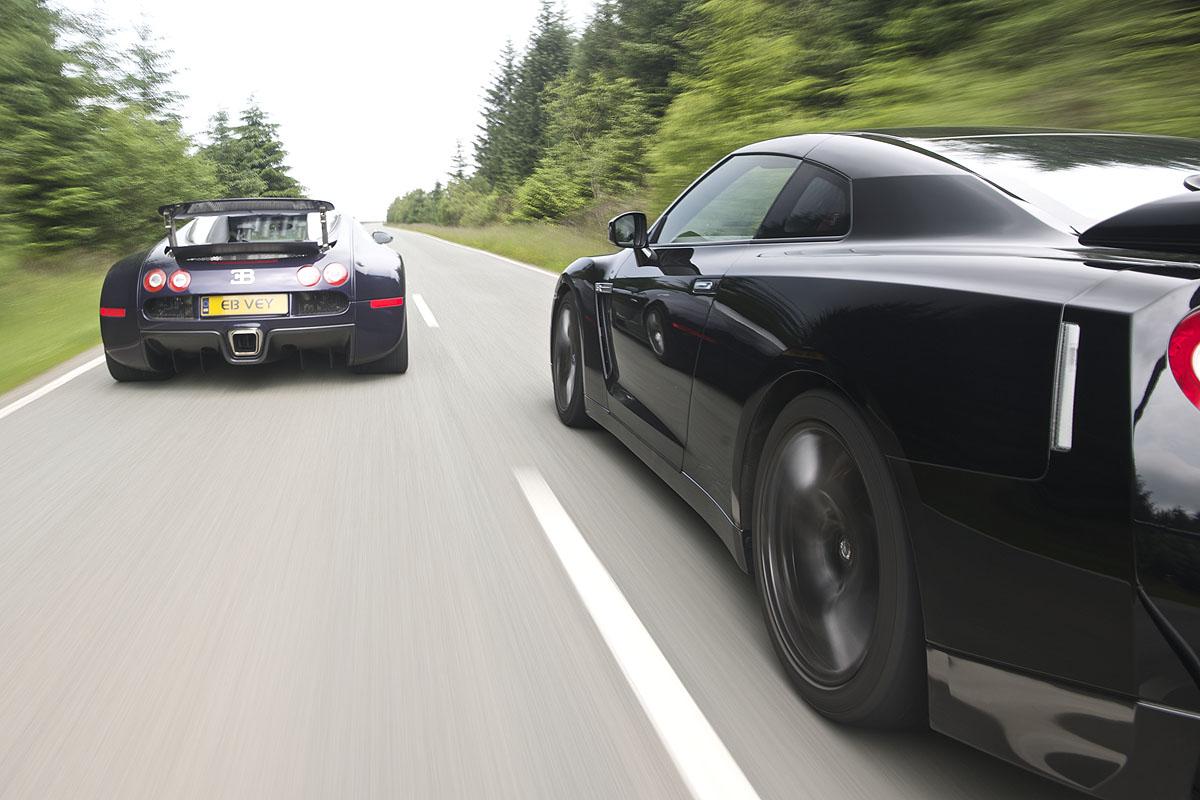 Nissan GT-R v Bugatti Veyron | Evo