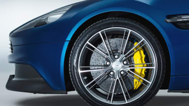 Aston Martin Vanquish Volante alloy wheel carbon ceramic brakes