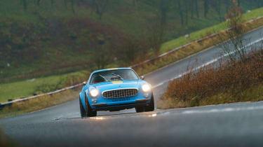 Volvo P1800 Cyan Racing – front