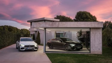 Mercedes-AMG GT 63 S - house