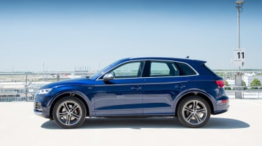 Audi SQ5 TFSI - side profile