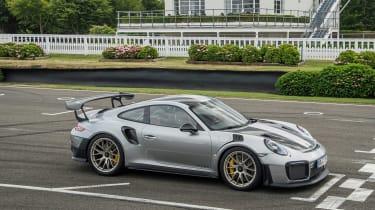 Porsche 911 GT2 RS - 991.2 track 2
