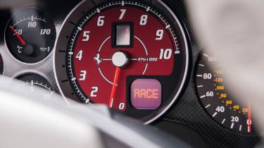 Ferrari 430 Scuderia tach