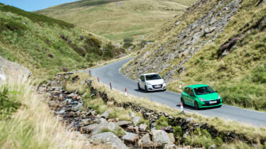Peugeot 208 GTi by Peugeot Sport vs Renault Sport Clio 200 Cup - driving