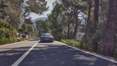 Porsche 911 GT3 Touring – rear tracking
