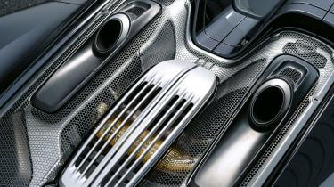 Porsche 981 - engine cover/rear deck