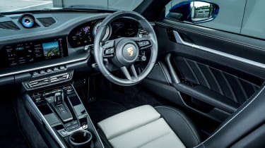 Porsche 911 Turbo S Cabriolet – interior