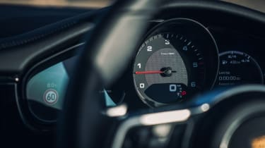 Porsche Panamera 4S Diesel - Dials