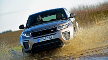 Range Rover Evoque 67 - driving