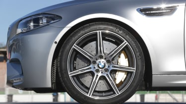 BMW M5 2013 wheel, brake calliper and Michelin Pilot SuperSport tyres