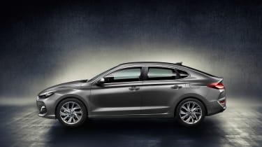 Hyundai i30 Fastback - profile